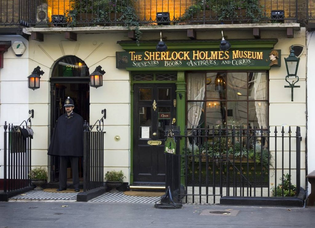 Pour découvrir plus en détail l'univers et l'histoire du personnage créé par Sir Arthur Conan Doyle, rendez-vous au musée situé 221 bis Baker Street